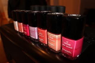 Pintauñas rosa de Chanel