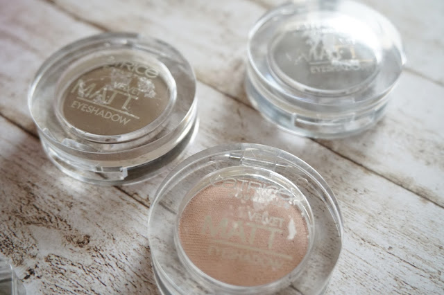 Catrice - Velvet Matt Eyeshadow, 030 Jump Up And Brown..., 050 Welcome to Greysland!, 070 Princess Mattleine