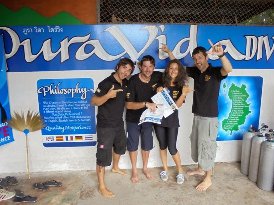 instructores de buceo en Tailandia