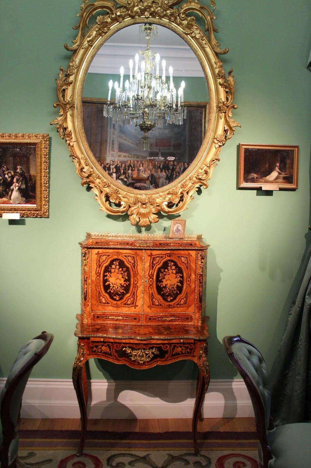Muebles del Museo del Romanticismo de Madrid