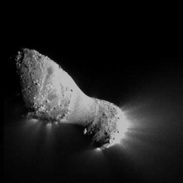 Comet Hartley 2 detailed close-up by NASA's EPOXI Mission