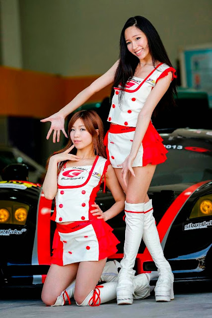 Super GT Queen Momokawa Yuko & Julie Tan
