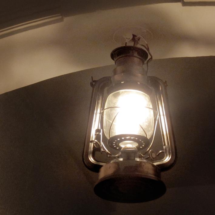 Old things - Vintage - lampe tempête - http://spicerabbits.blogspot.fr/