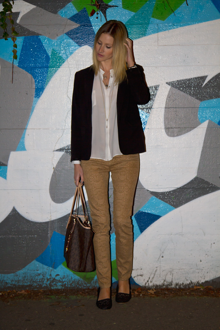 Vancouver Fashion Blogger, Alison Hutchinson, wearing H&M black blazer, Zara cream top, Urban Outfitter snakeskin pritnt denim jeans, Urban Outfitters black espadrilles, True Worth, Pyrrha and Tiffany necklaces