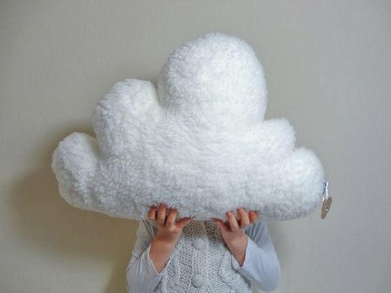 Eternamente flaneur claire on cloud 9 la tienda etsy del mes - Cojines bonitos ...