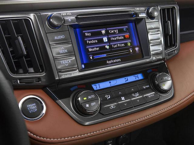 Novo Toyota RAV4 2013 - interior