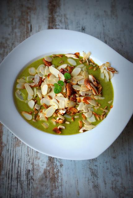 brokuły,cukinia baby,krem z brokula,detoks,Symbio,orzechy pecan,płatki z migdałów,zdrowo,detoks,kasza jaglana,jabłko,zupy,kremy,