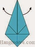 Bước 5: Mở hai miếng giấy ở phía mặt đằng sau ra.