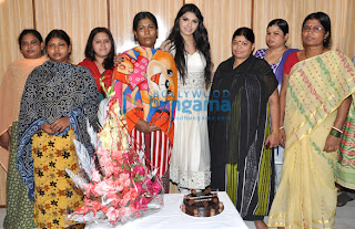 Sherlyn Chopra celebrates her birthday with Sex workers at Kamathipura
