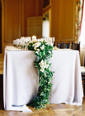 les fleurs : crane estate : summer wedding : estate wedding : dogwood, garden roses, peony : blush, peach, ivory & slate blue : garland table runners