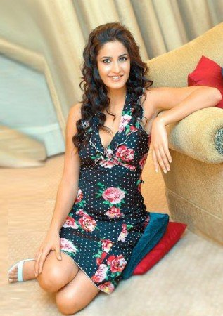 katrina kaif cute wallpapers 2012