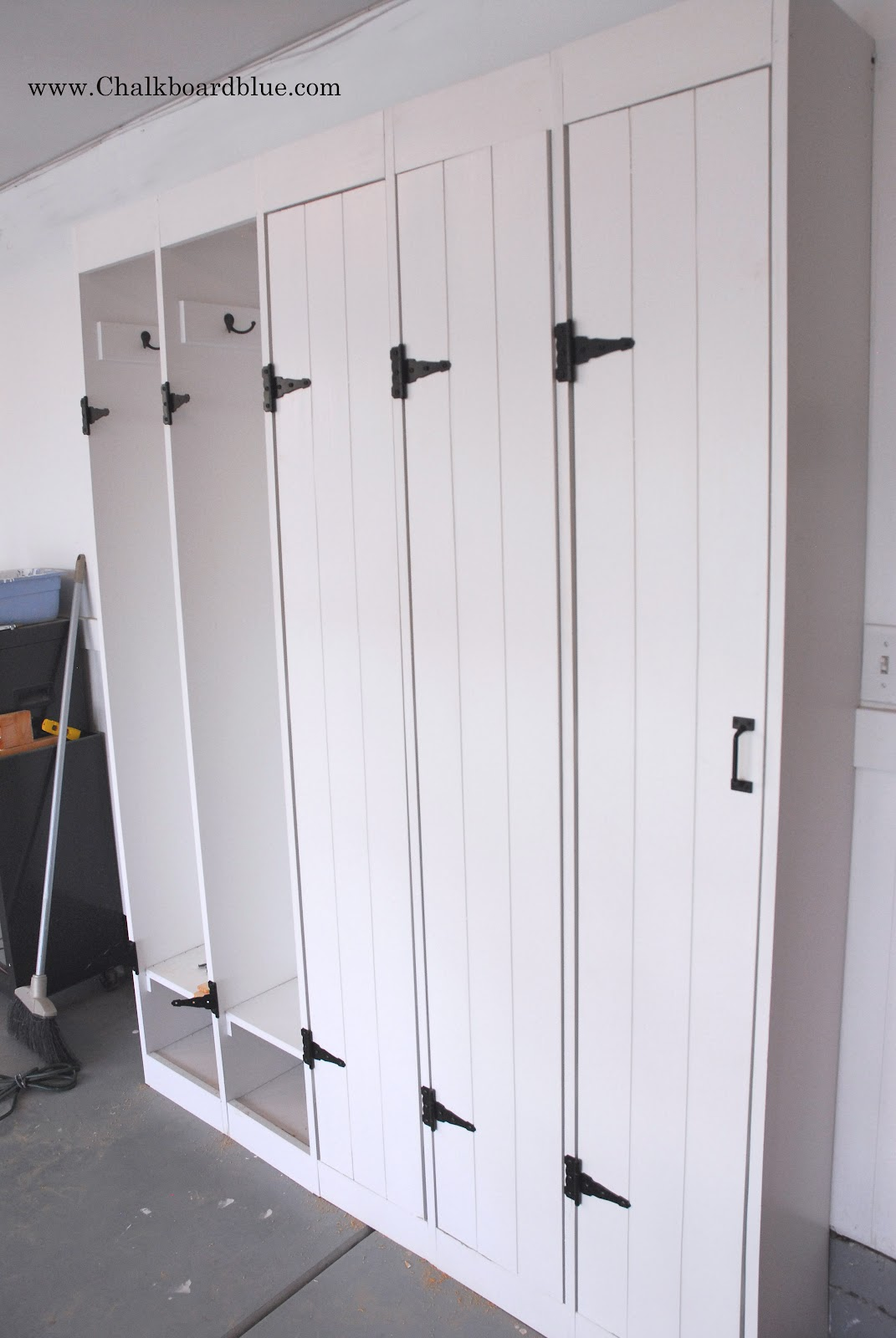 Chalkboard blue how i built our pottery barn lockers solutioingenieria Images
