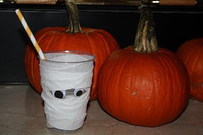 Halloween Mummy Cups - www.thelifeofawannabesupermom.blogspot.com