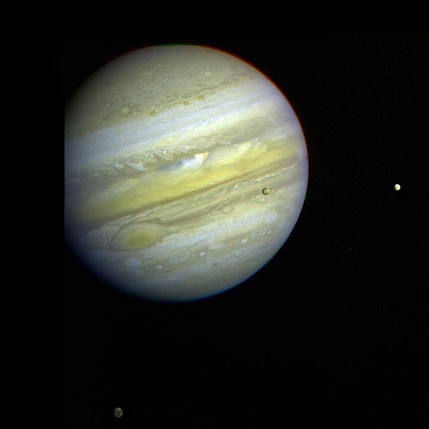 Voyager 1's family portrait of Jupiter and 3 Galilean Satellites