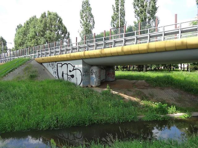 Graffiti mostu Siekierkowskiego