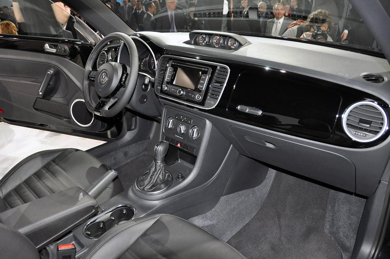 2012 volkswagen beetle silhouette new tv premiere video garage car. Black Bedroom Furniture Sets. Home Design Ideas