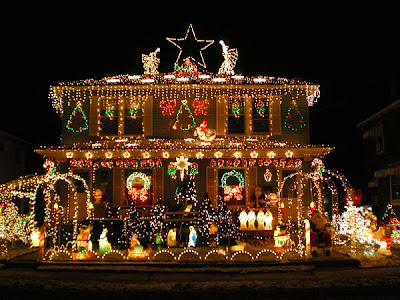 Christmas House Decoration Photos and Pictures