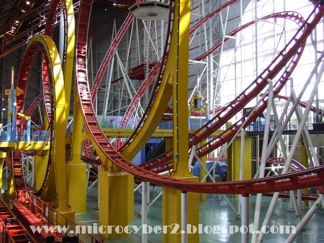 Kecelakaan Roller Coaster di Galaxyland Kanada