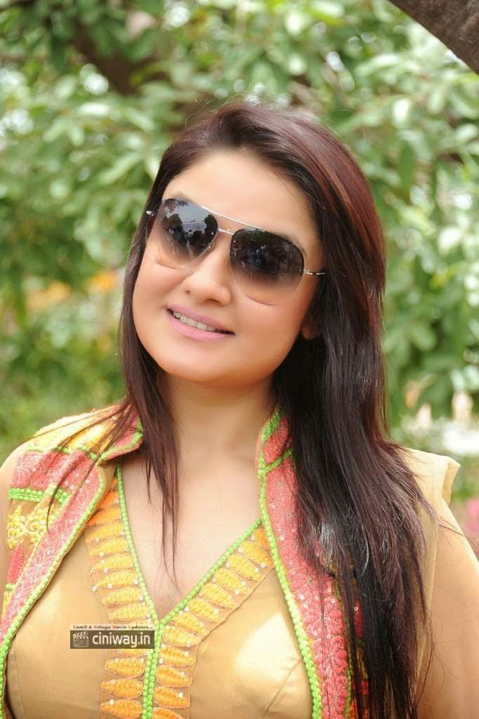 Sonia-Agarwal-Stills-at-Naaku-Konjam-Time-Kavali-Movie-Opening