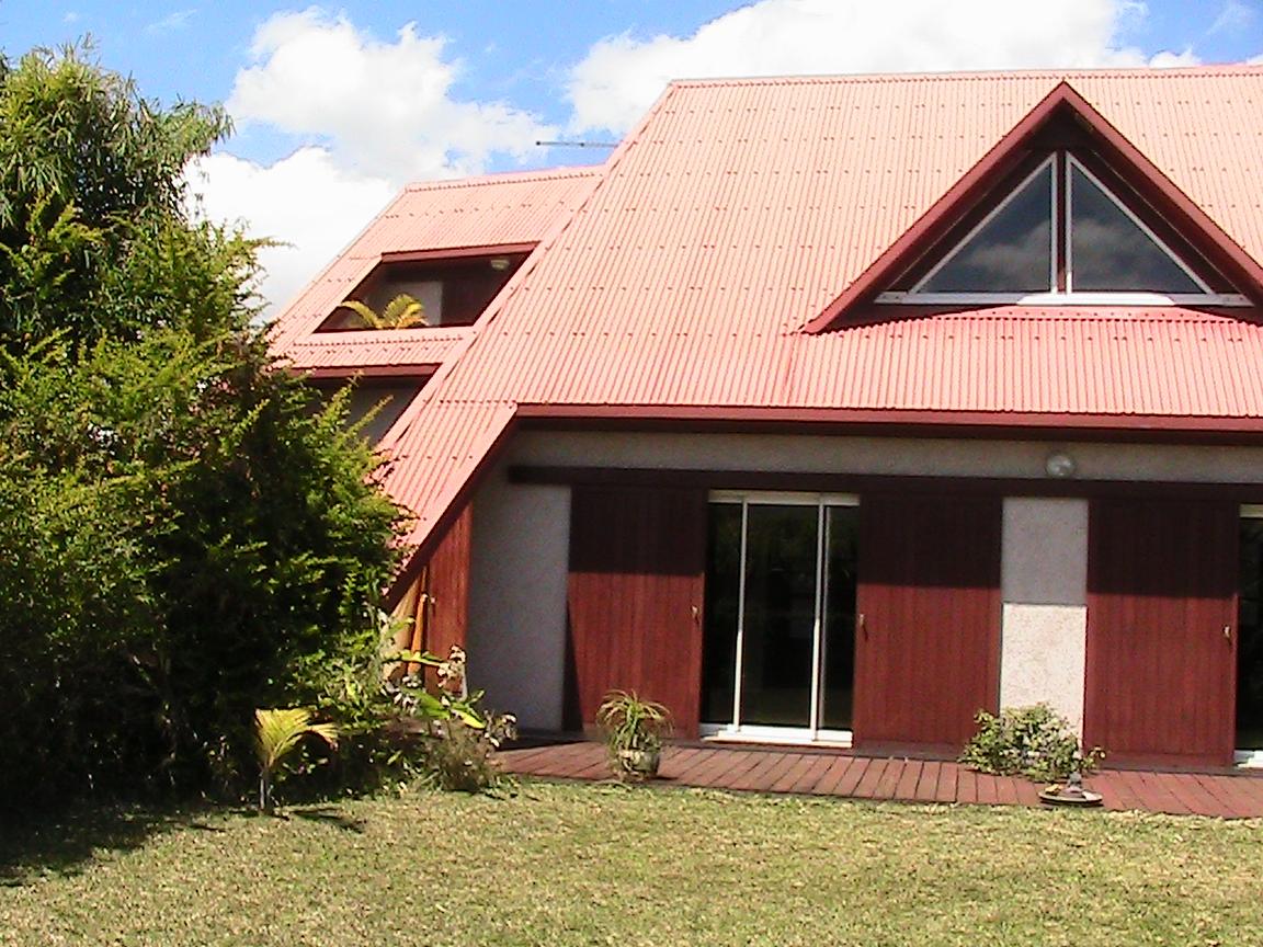Maison contemporaine for Maison moderne 83
