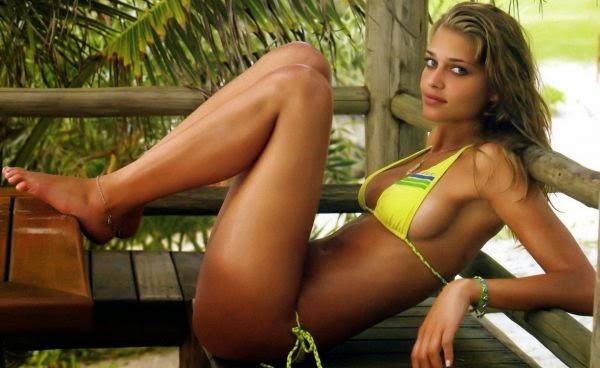 hot and sexy babes in bikini