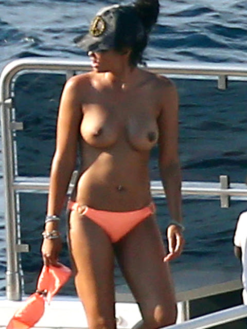 Kimora Lee Simmons Topless Candid Photos On A Yacht In St.Tropez