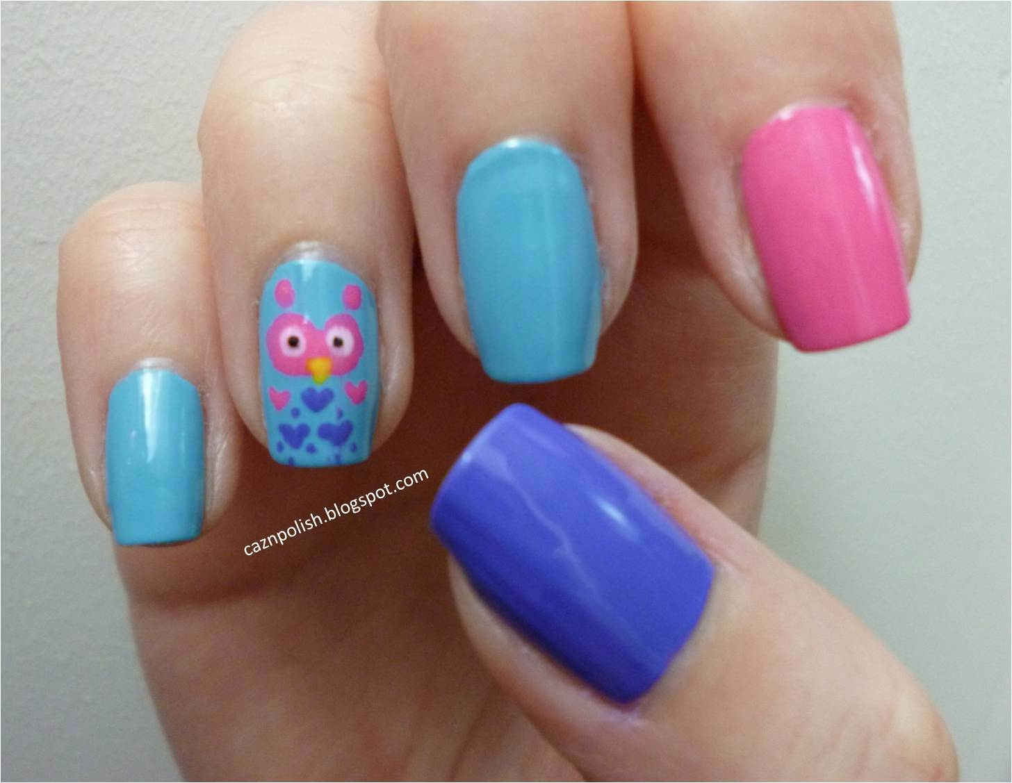 caz 'n' polish | Owl Accent Nails