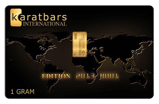 Tarjeta de oro Karatbars con su lingote incrustado en el centro.