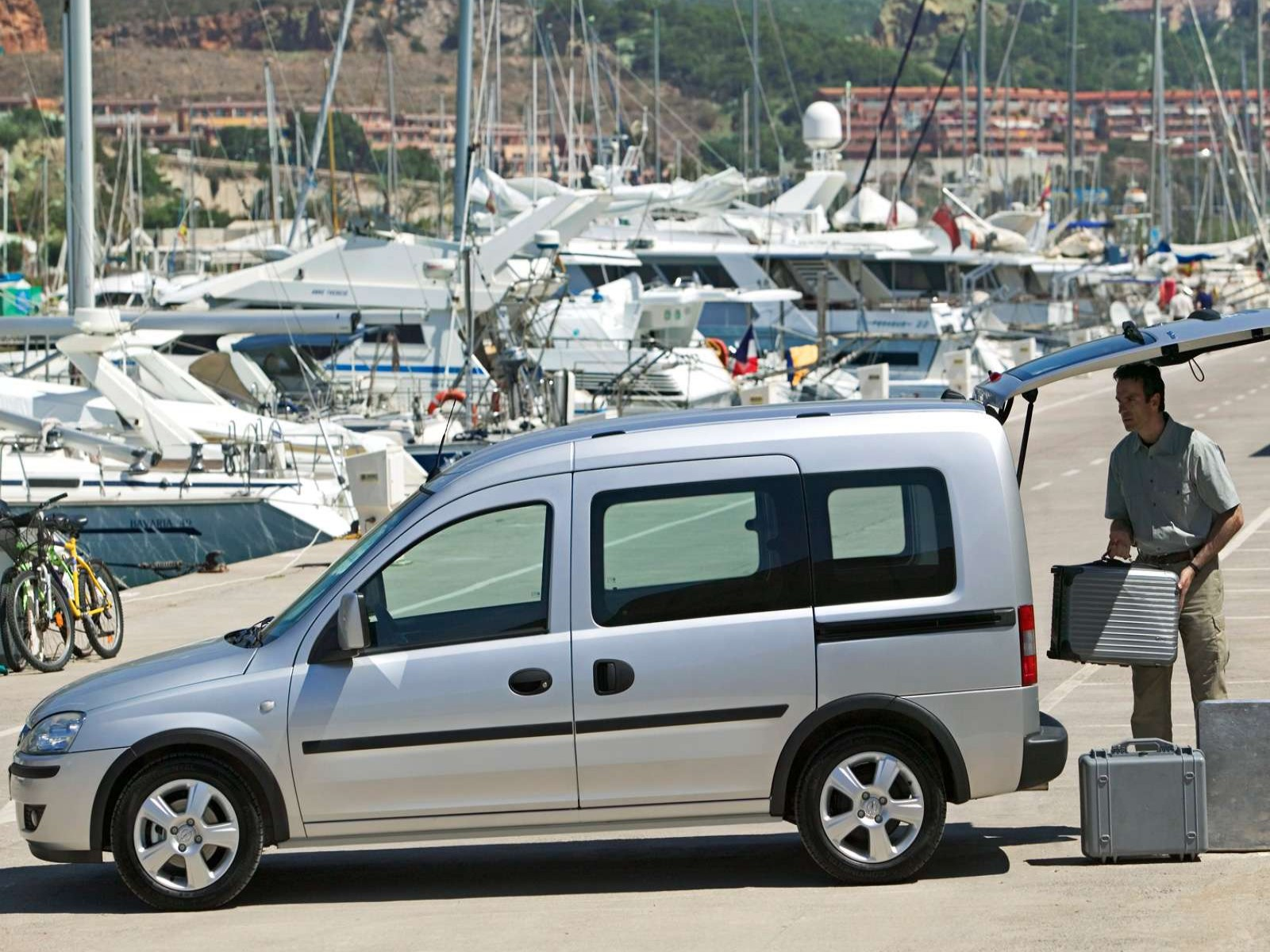 car pictures opel combo 2006. Black Bedroom Furniture Sets. Home Design Ideas