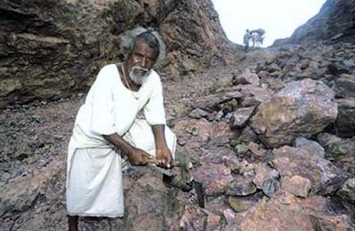 20 Year Splitting Hill For the Love, Dashrath Manjhi, Faguni Devi