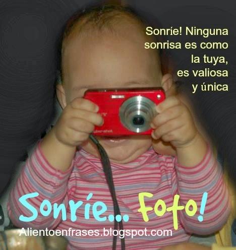 Sonríe, No hay  sonrisa tan valiosa como la tuya. Imágenes de sonreír, foto, postales lindas, tarjetita linda, palabras de aliento para amigo, facebook, frases de ánimo.sonríe