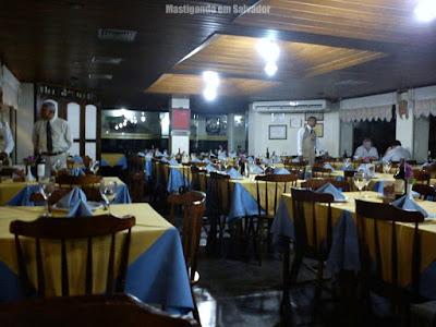 A Porteira: Ambiente fechado e climatizado da loja da Boca do Rio