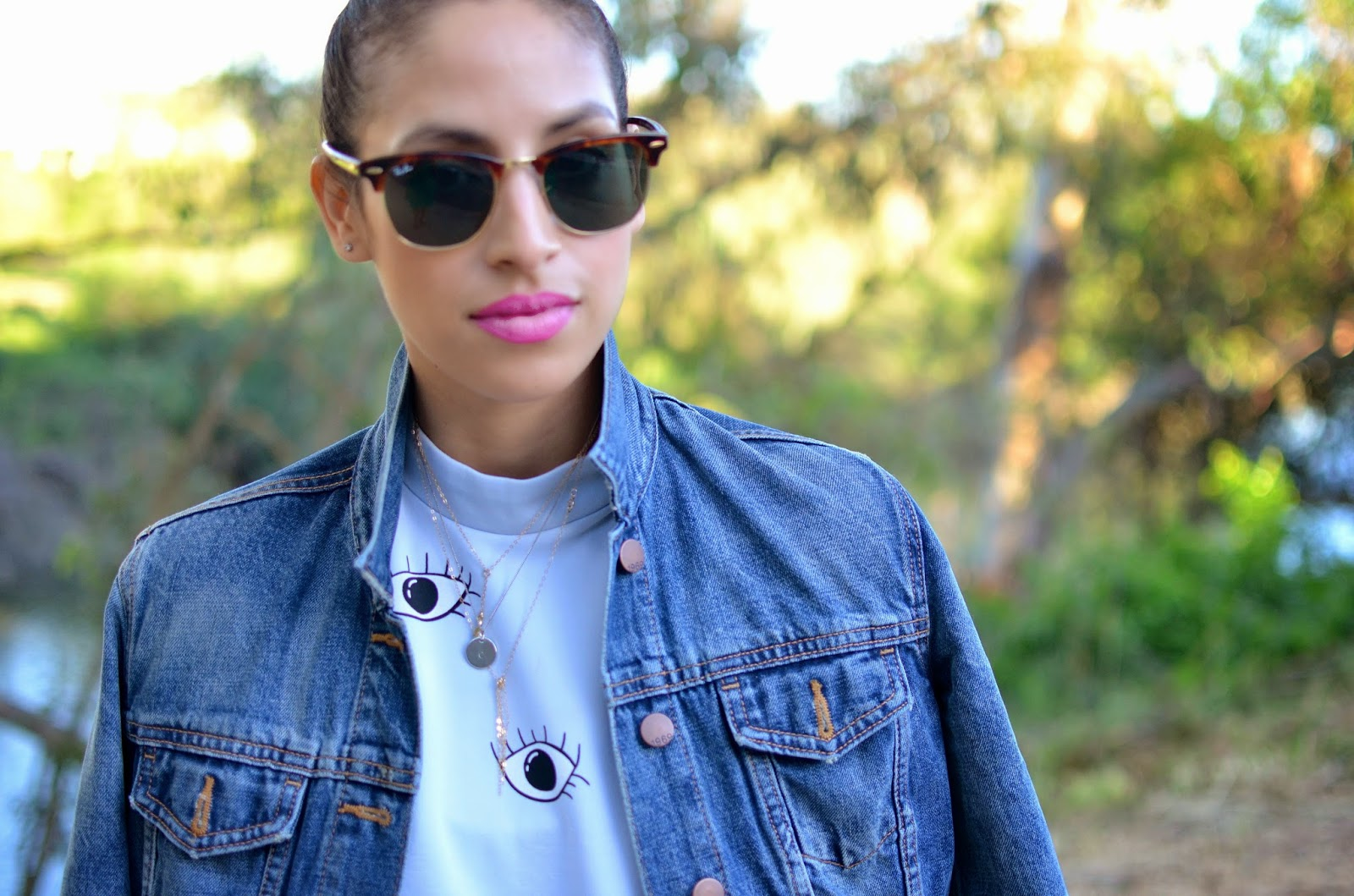 eye dress, evil eye dress, bright pink lipstick, pink lips for spring, ray ban clubmasters, layered dainty necklaces, denim jacket, spring style, SF style, napa style, spring dress