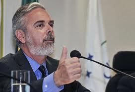 Brasil: PATRIOTA DEFENDE FIM DE DIFERENÇAS SOCIAIS PARA CONTROLAR AIDS NO MUNDO