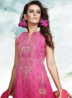 Bangladesh+Beautiful+Girl+Ruma+Looking+Attractive+In+Salowar+Photo005