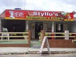 Styllu's Restaurante e Pizzaria na Avenida XV de Novembro, centro de Bom Conselho.