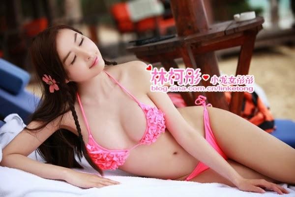 juliet lin ke tong sexy boob cleavage 04