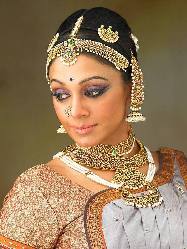 Bedecked and bejewelled  Shobana modelling Prince Jewellery s temple    Bharatanatyam Shobana