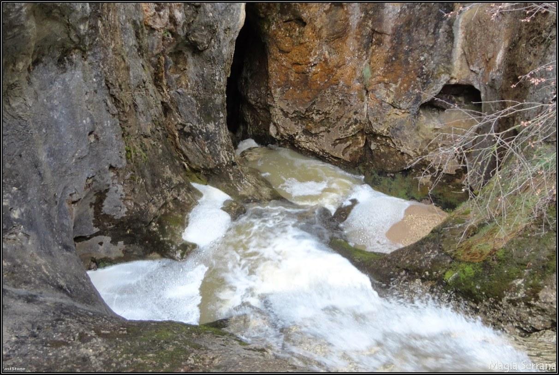 Sumidero Del Arroyo De Mata Asnos (Carrascosa De La Sierra)