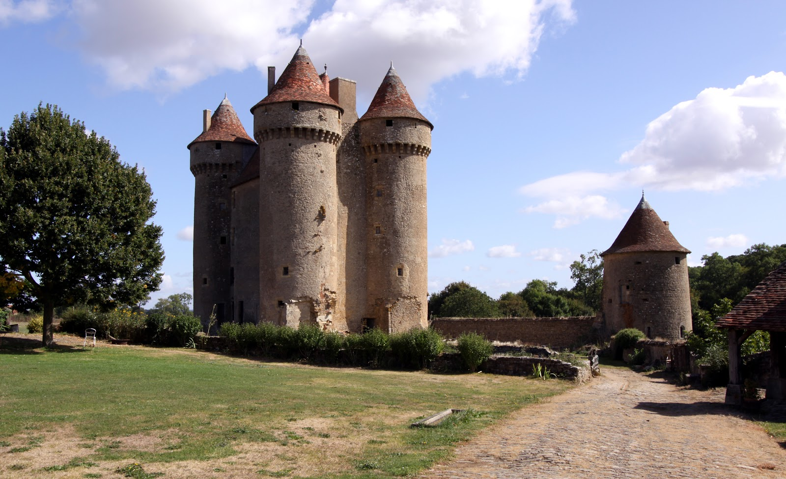Great Castles Of Europe Ch Teau De Sarzay