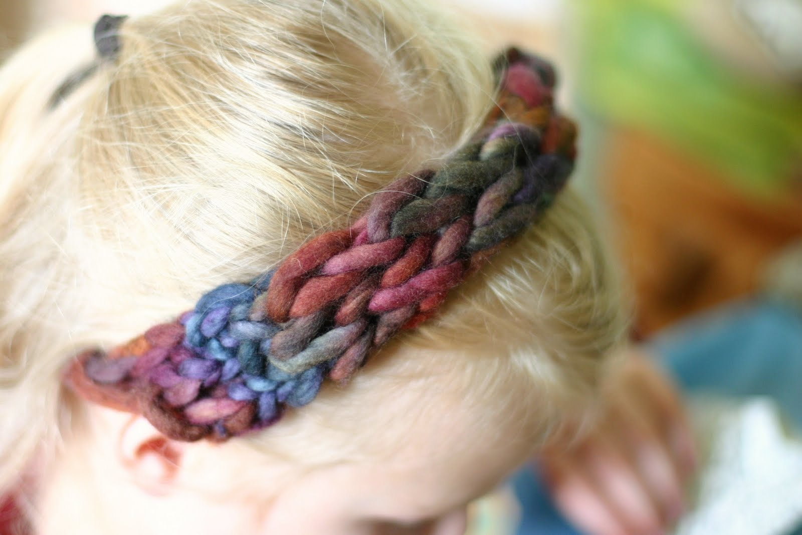 Finger Knitting Directions : Frontier dreams four finger knitted headband a tutorial