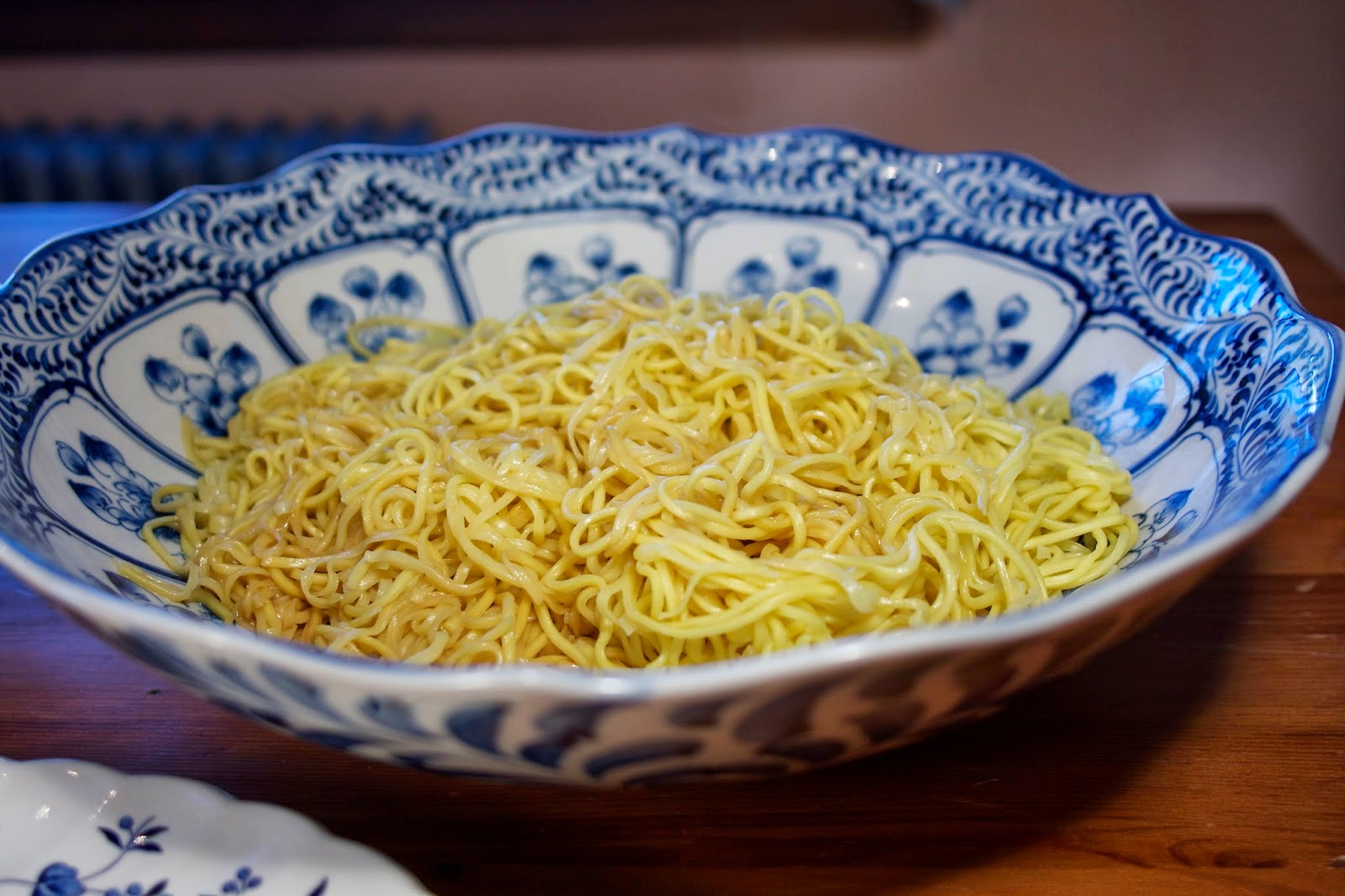Chow Mein Noodles: simplelivingeating.com