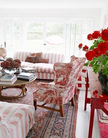 red interior decor