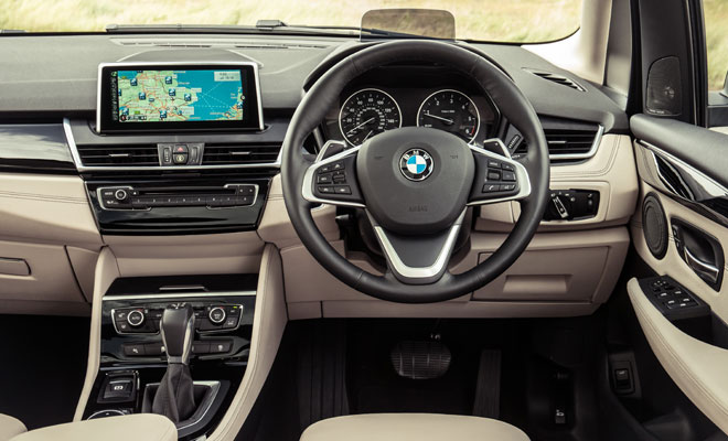 BMW 218d Active Tourer driver's view