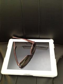 ipad 2 with pink Jennifer Lopez sunglasses