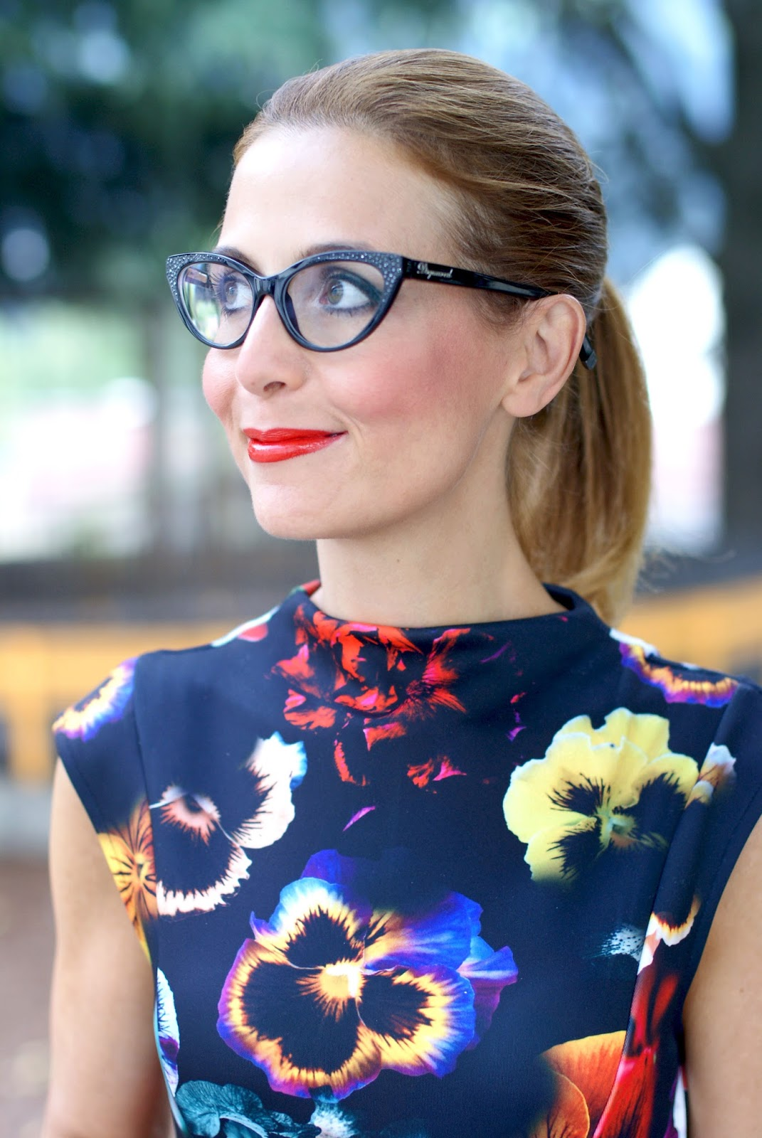 DSquared2 Muriel eyeglasses found on Giarre.com and Asos floral scuba dress on Fashion and Cookies fashion blog, fashion blogger style