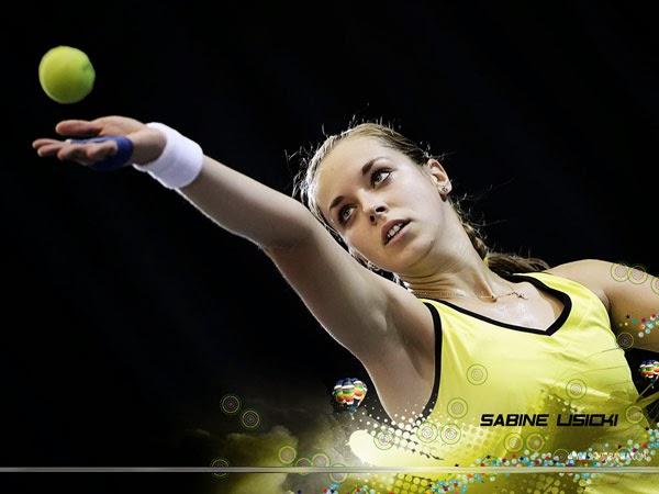 Vitesse moyenne service tennis femme