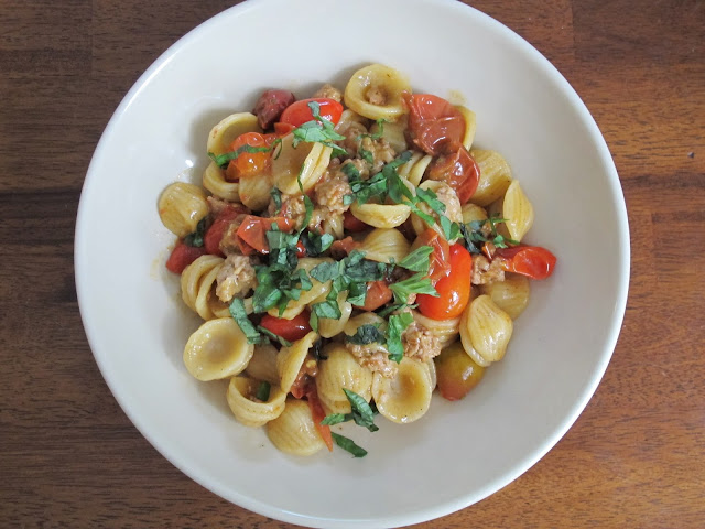 Pasta with Sausage and Tomatoes