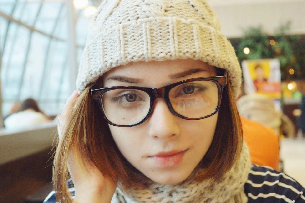 Японки в очках 17 фотография