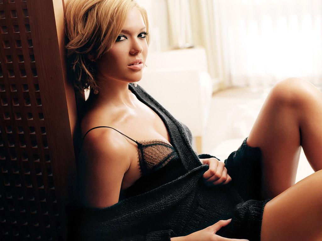 http://4.bp.blogspot.com/-86J-DYgkWdI/TY2QRlByJiI/AAAAAAAANmk/CrKdppOmyzc/s1600/sexy_mandy_moore-6152.jpg